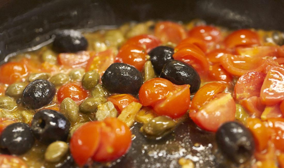 red black olives dish